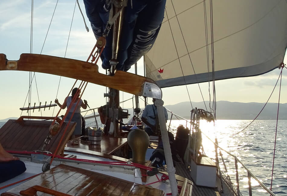 52.4 ft Alcatraz Sailboat